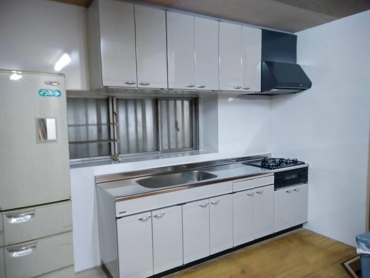 キッチンリフォーム(リフォーム施工事例)を公開しました。   沖縄や那覇でリフォームするなら【株式会社 あうん工房】
