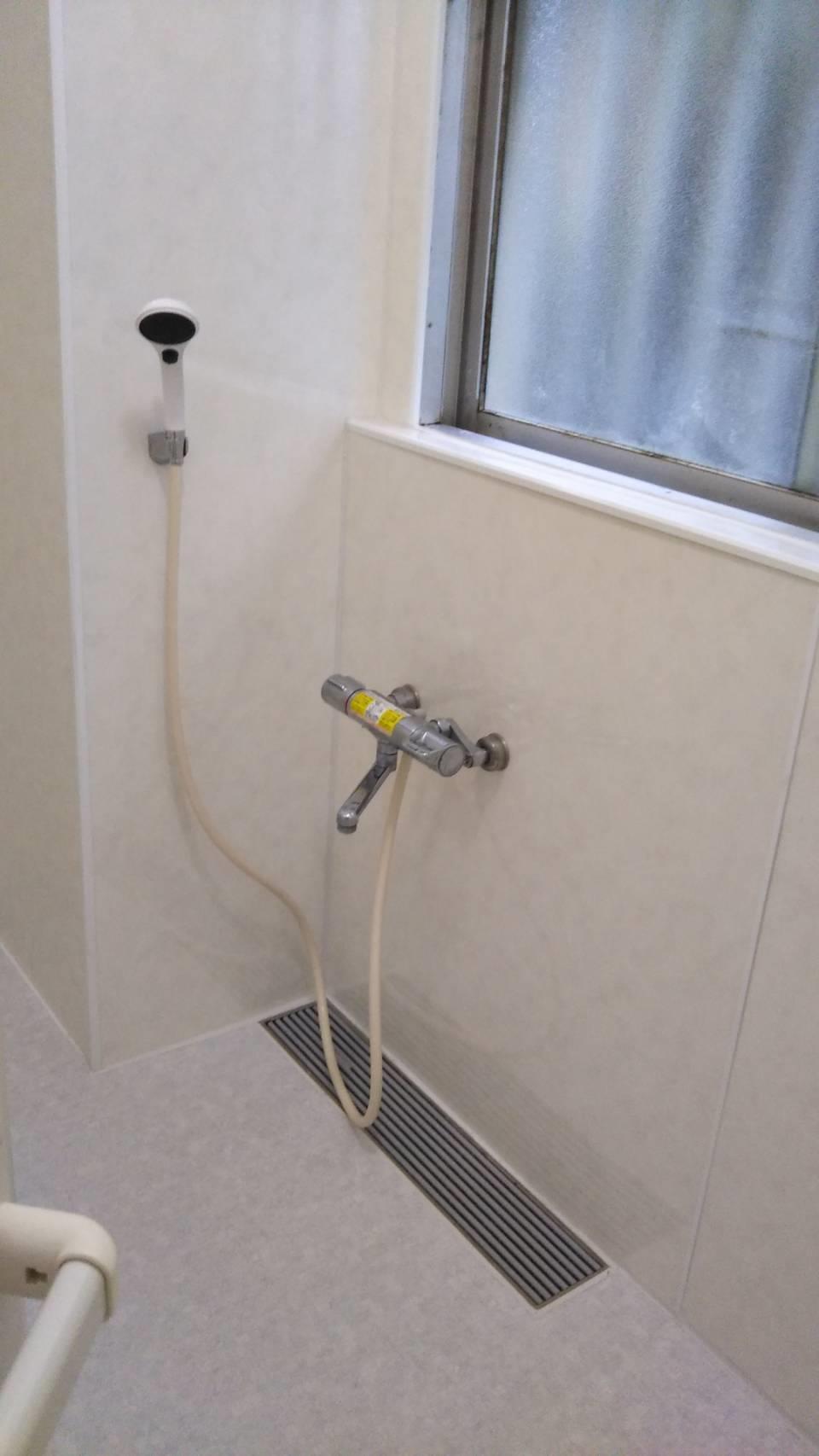 浴槽を撤去し、シャワー室へ(リフォーム施工事例)を公開しました。   沖縄や那覇でリフォームするなら【株式会社 あうん工房】