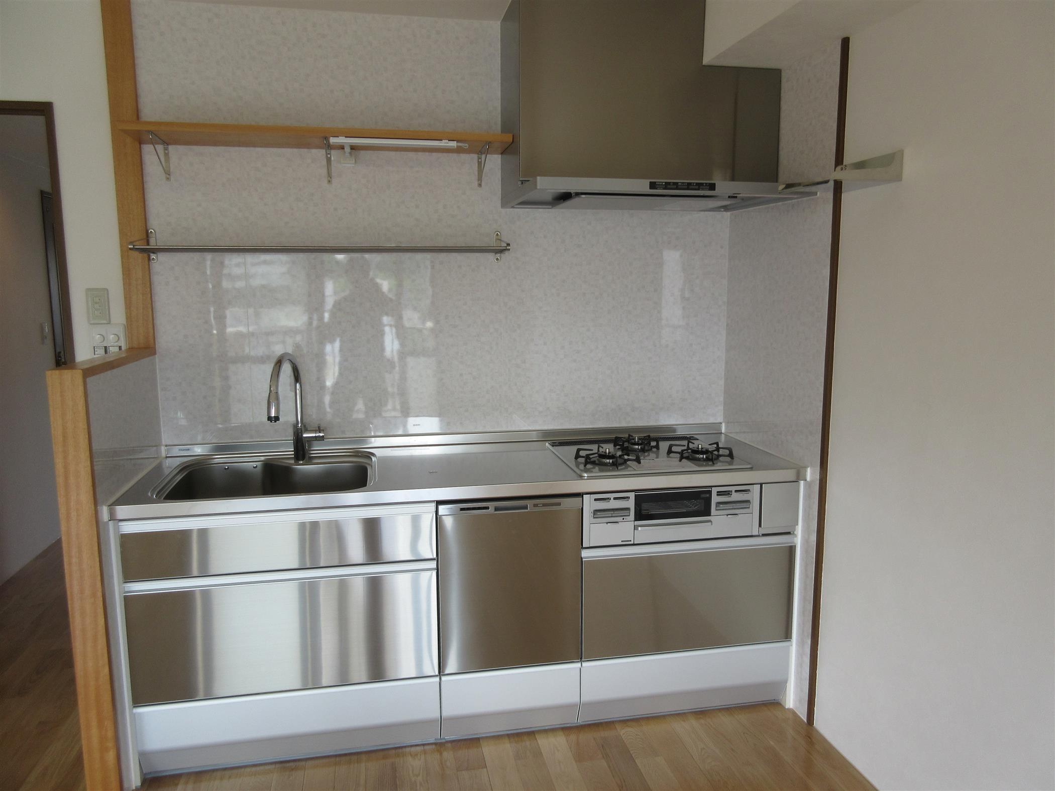 マンションのキッチン工事(リフォーム施工事例)を公開しました。   沖縄や那覇でリフォームするなら【株式会社 あうん工房】