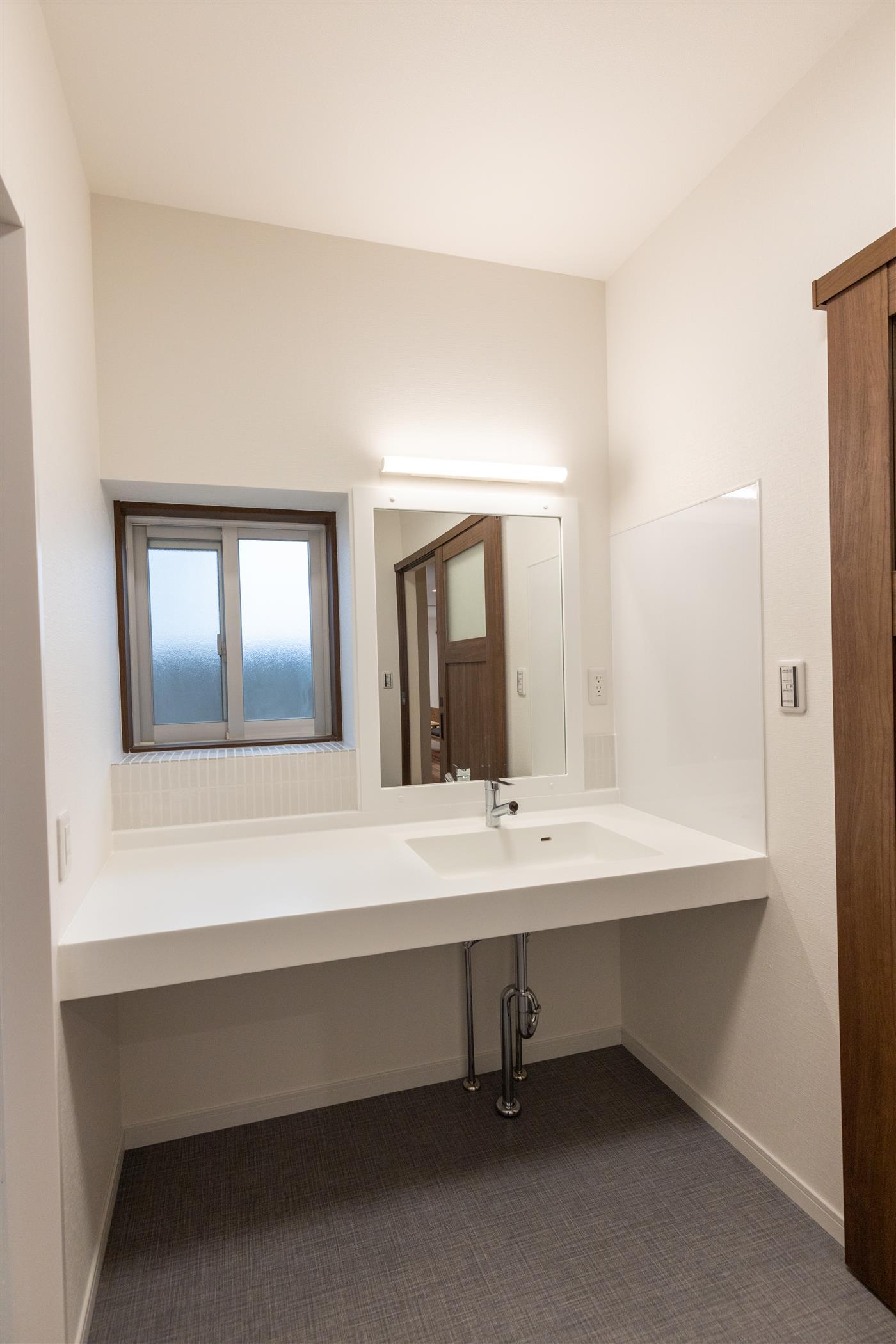洗面室リフォーム(リフォーム施工事例)を公開しました。 | 沖縄や那覇でリフォームするなら【株式会社 あうん工房】