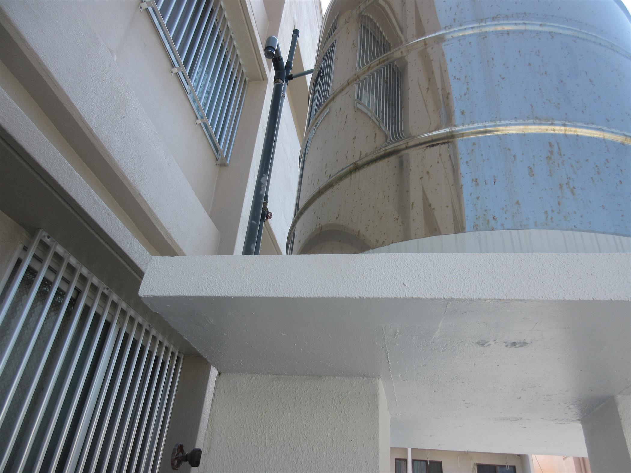 水タンク架台の補修工事(リフォーム施工事例)を公開しました。   沖縄や那覇でリフォームするなら【株式会社 あうん工房】